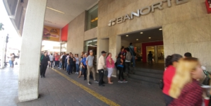 Es tan culichi | Una fila interminable en el cajero frente a Catedral esta quincena