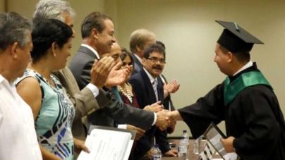 Se duplicarán becas para educación superior en Sinaloa: Quirino Ordaz