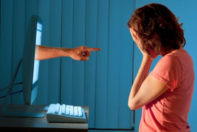 Chicas son más propensas a sufrir depresión por uso prolongado de redes sociales: estudio