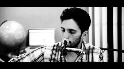 ¿El Pavido Navido versión blues? | Escúchala en la voz de Ernesto Peralta