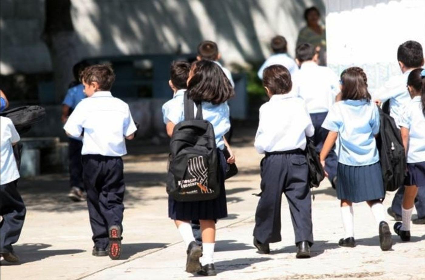 Miles de alumnos regresan a  clases  a su nuevo ciclo escolar(EL DEBATE JORGE COTA)