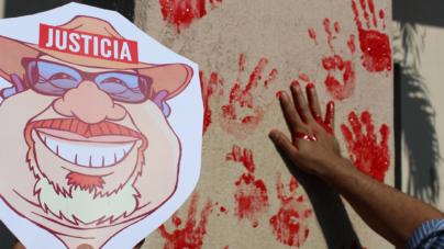 4 meses sin respuesta | La Fiscalía se tiñe de rojo y los culichis exigen justicia para Javier Valdez