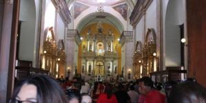 Dios vs la burocracia | Ante negativas de Alcalde, jubilados realizan misa para iluminarlo