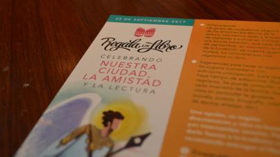Regala un libro y celebra 30 años de carrera de Ito Contreras