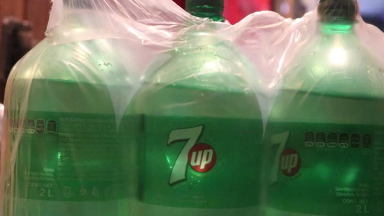 Tráfico de metanfetamina líquida en botellas de 7up en Baja California apunta al cártel de Sinaloa