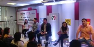 Debaten papel de jóvenes en la política