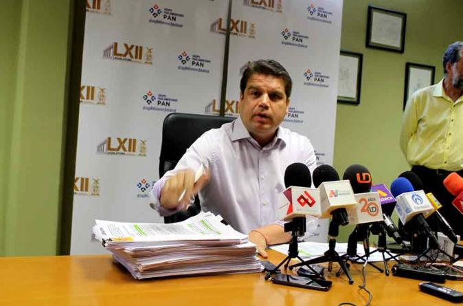 Roberto Cruz se autoproclama líder de una auténtica oposición