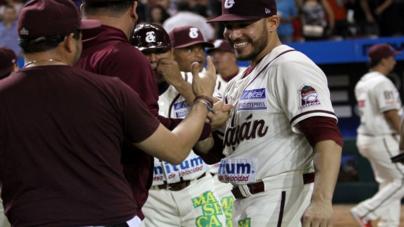 Acaricia 'Danny Rodríguez' el juego perfecto… y da triunfo a Tomateros sobre Mayos