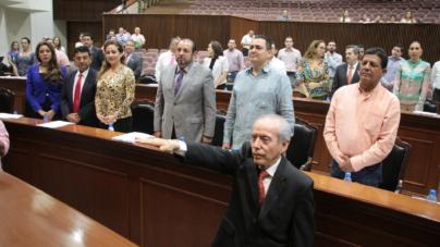 Ricardo Aguilasocho rinde protesta como magistrado anticorrupción de Sinaloa