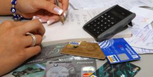 El que nada debe, nada tiene | Endeudados por desconocer cómo funcionan las tarjetas de crédito