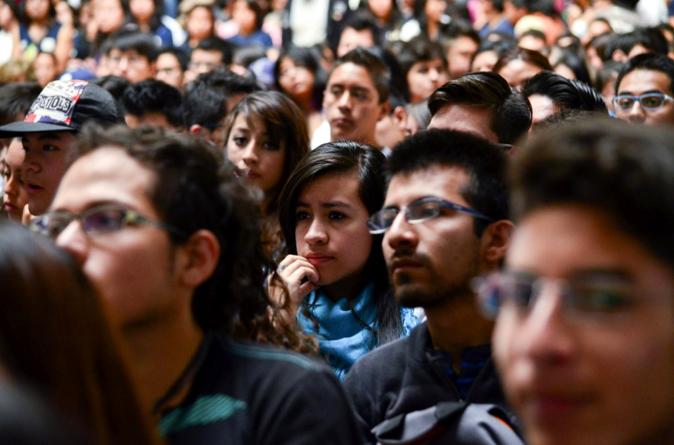 Reporte ESPEJO | Fuera la polilla: piden dar más candidaturas a jóvenes