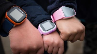 ESPEJO Negro | Alemania prohíbe 'smartwatches' para niños y ordena su destrucción