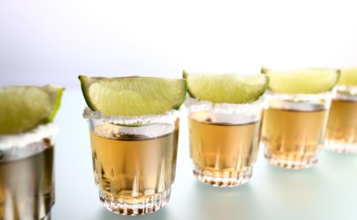 Lo dice la ciencia | Si quieres tus huesos reforzar, bebe tequila y mezcal…