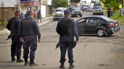 'Violan nuestros derechos como policías, trabajadores y como personas': agentes estatales