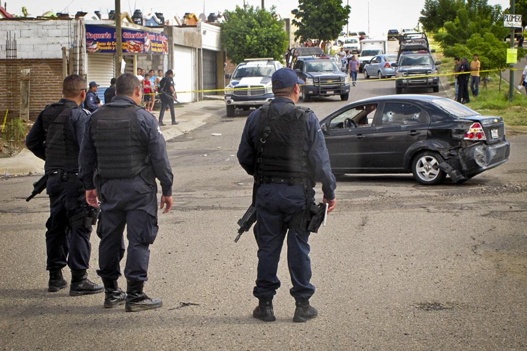 CULIACÁN, SINALOA 04NOVIEMBRE2013: Jesús Ramón Velarde Cázarez, de 30 años, quien era ex agente de la Policía Estatal Preventiva,  y su sobrino de nombre Marco Antonio