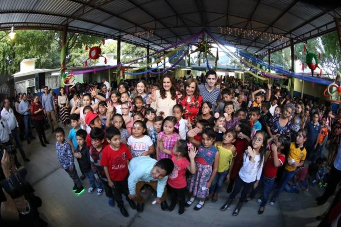 Lleva DIF Sinaloa la Navidad a los asilos y estancias infantiles del estado
