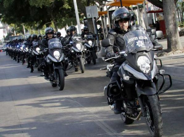 Entrega Quirino Ordaz más vehículos para reforzar la seguridad en Sinaloa