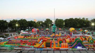 Arranca 'Rebotón Navideño' | El brincolín más grande de México está en Culiacán y recorrerá Sinaloa