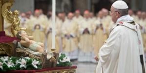 'Oremos por los niños que no tienen en sus manos juguetes, sino armas': papa Francisco