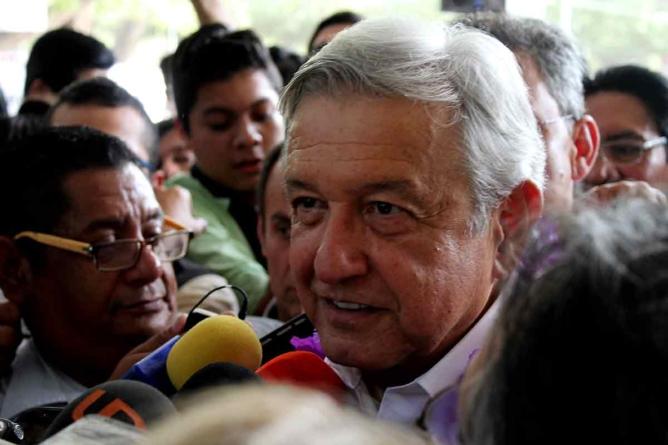 'Gerardo Vargas sí tendría cabida en Morena… pero sin PRI y sin cargo', dice AMLO en Culiacán
