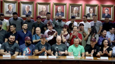 Recibe Quirino Ordaz a los Tomateros de Culiacán, campeones de la LMP