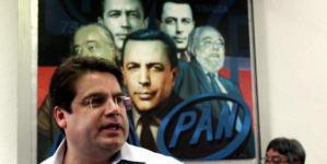 Asegura Roberto Cruz que no ha levantado la mano para dirigir Morena