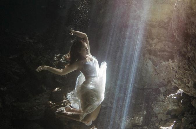 INAH descubre en México la cueva inundada más grande del mundo
