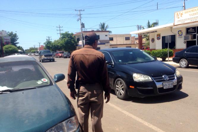 Tránsitos no podrán retirar documentos ni vehículos por infracciones menores en Guasave