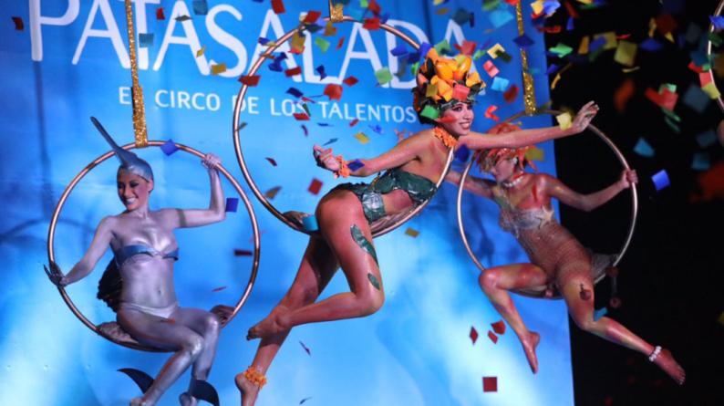Carnaval de Mazatlán | Un desfile: dos formas de vivirlo