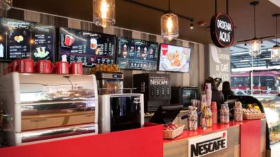 Nescafé abrirá sus cafeterías en México para competir con Starbucks