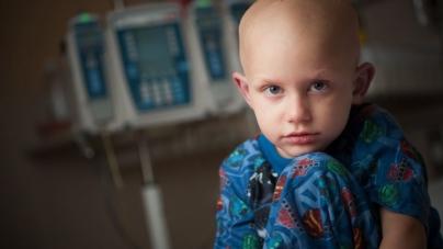 ¿Día de qué? | Obligados a abandonar la infancia por cáncer