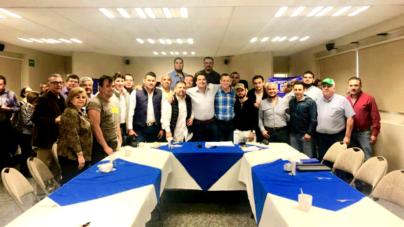 Elecciones 2018 | Con grandes deportistas, presenta Roberto Cruz su 'super equipo' de suplentes
