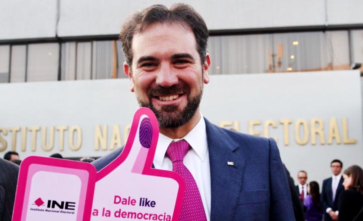 Reporte ESPEJO | Las fake news del convenio entre INE y Facebook