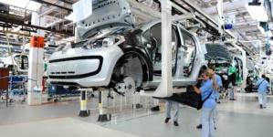 TLCAN | Si México no aumenta el salario a obreros automotrices, no habrá acuerdo con EE. UU.