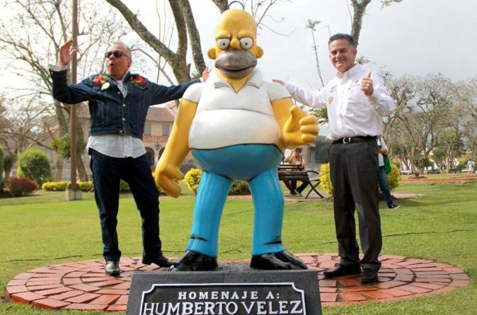 ¡Otra de esas! | Con recursos públicos, construyen estatua de Homero Simpson en México