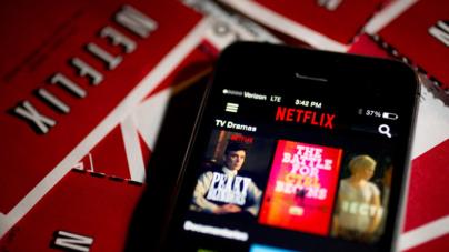 Netflix crea un plan para celulares… 50% más barato