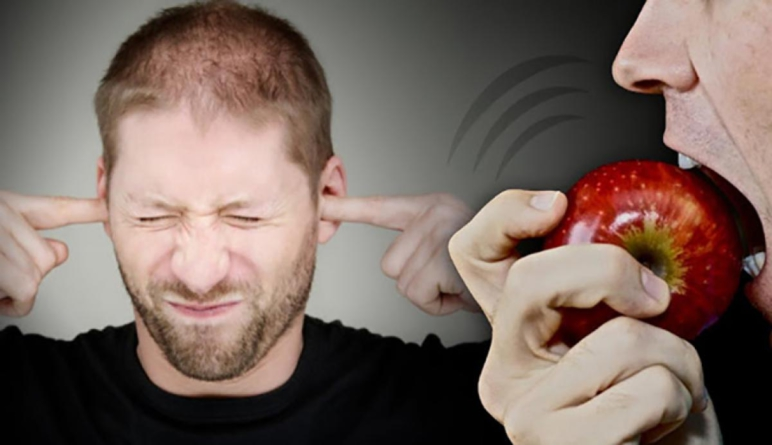 ¿Por qué odias esa molesta forma en que mastican, respiran o roncan las otras personas?