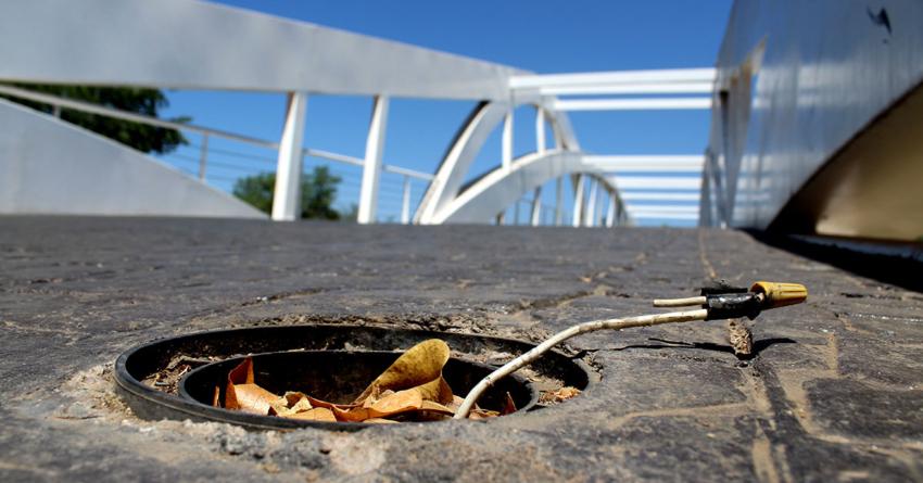 Denuncia ciudadana | Va para un año que puentes del parque Las Riberas no tienen luces