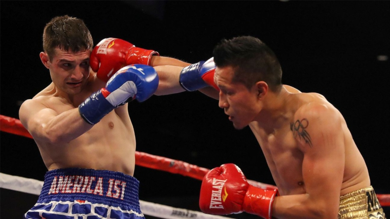Boxeador mexicano noquea a rival que hacía burla de México con short del muro