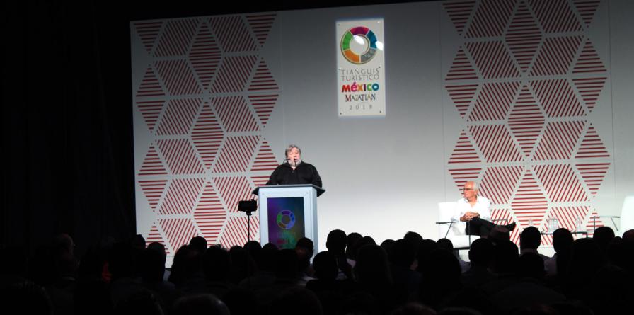 'Deben ponerse las relaciones personales por encima de las redes sociales': Steve Wozniak
