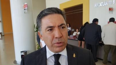 Tras denuncia por acoso sexual, presidente del STJE renuncia a fuero y acusa presiones