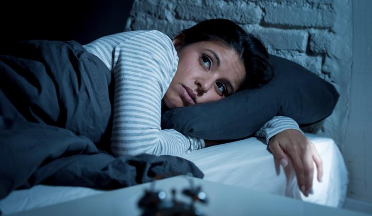 Una noche sin dormir puede aumentar las posibilidades de padecer Alzheimer