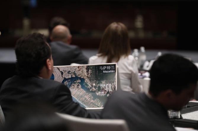 Inicia Quirino Ordaz misión comercial sinaloense en China