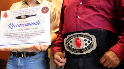 Reconocen a Celso Olivas, un campeón de la época dorada del box mexicano