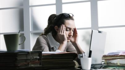 ¿Conoces la regla 20-20-20? | Un simple ejercicio te podría ayudar a cuidar tu visión luego de horas frente a una pantalla