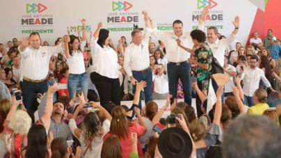 Promete Meade $1,200 de sueldo a madres de familia… y asegura que ganará