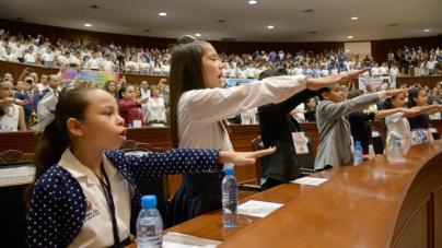 Desde la tribuna del Congreso, niños piden vigilar más la igualdad de derechos