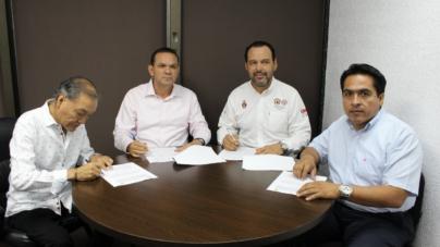 Firman convenio de prevención y auxilio en materia de protección civil en campos y cooperativas pesqueras