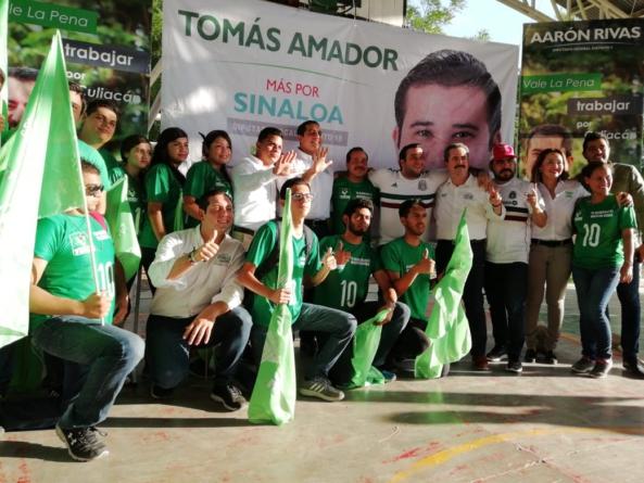 Cierra Jesús Valdés campaña junto a candidatos a diputados; ofrece gran impulso a la educación