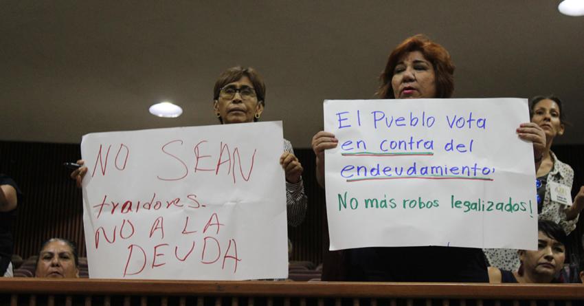 En medio de protestas, PRI-PAN aprueban crédito de 347 MDP al Ayuntamiento de Culiacán